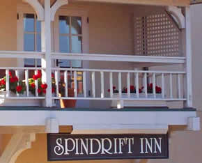 The Spindrift Hotel is conveniently located right down the way from the Monterey Aquarium and offers the Monterey Bay Aquarium Discount 2 for 1 Hotel Deal.